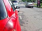 Parkoló Suzukit húzott meg a kisteherautó Miskolcon - boon.hu