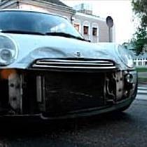 Toyotának hajtott egy Mini Miskolcon - boon.hu
