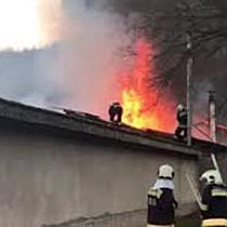 Raktár égett Ózdon, megsemmisült az árukészlet - boon.hu