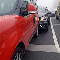 Pirosra váltó lámpánál hajtott a Fiatba egy Suzuki Miskolcon - boon.hu
