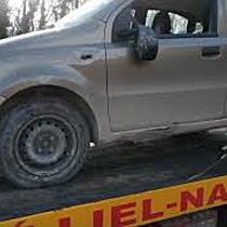 Kerítés fogta meg a Fiatot Miskolcon - boon.hu