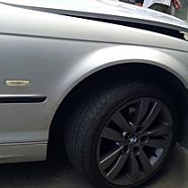 Betonelemnek ütközött a BMW Miskolcon - boon.hu