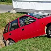 Árokba terelte a Suzukit a kamion Miskolcon - boon.hu