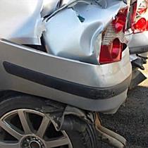 Kamion ütött ki két autót a 3-as főúton - boon.hu