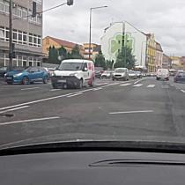 Reggeli forgalom a József Attila utcán Miskolcon IV. - boon.hu