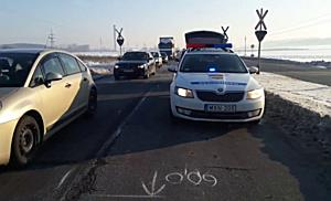 Ütközés sorozat után szántóföldön landolt a teherautó a 26-os főúton - boon.hu