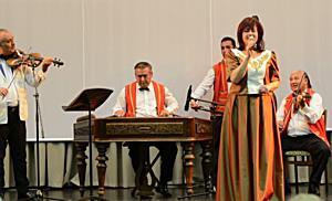 Nóta est Emődi Gyulával az Avasi gimnázium színháztermében - boon.hu