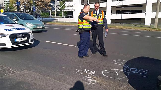 Hármas ütközés Miskolc belvárosában - boon.hu