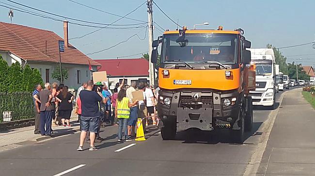 Demonstráció Sajószögeden III. - boon.hu