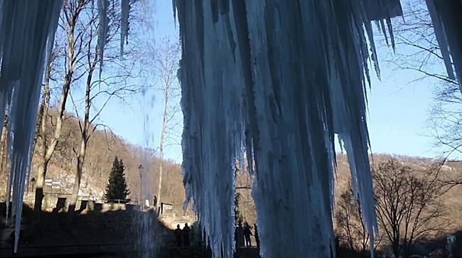 A megfagyott lillafüredi vízesés I. - boon.hu