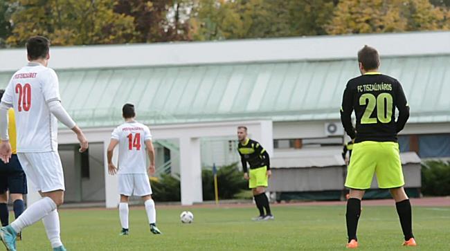 Termálfürdő FC Tiszaújváros vs. Erzsébetvárosi SMTK 17/18 - boon.hu