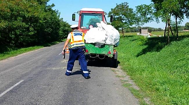 Traktorral ütközött, az árokban landolt a Picanto Arnótnál - boon.hu