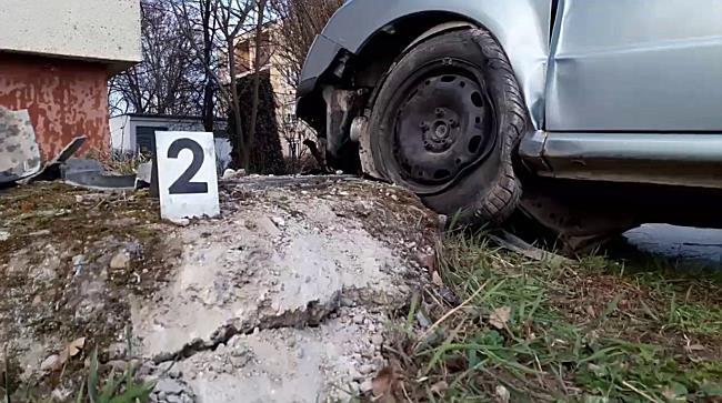 Kiszakadt a Skoda futóműve Miskolcon - boon.hu