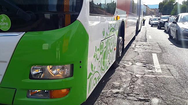 Vészfékező buszon sérült meg a gyermek Miskolcon - boon.hu