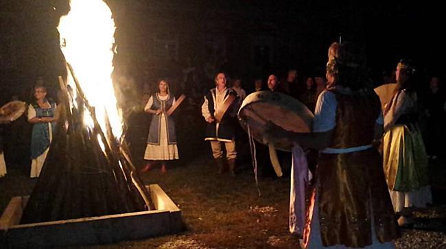 Szent Mihály-napi tűzgyújtás Szirmabesenyőben