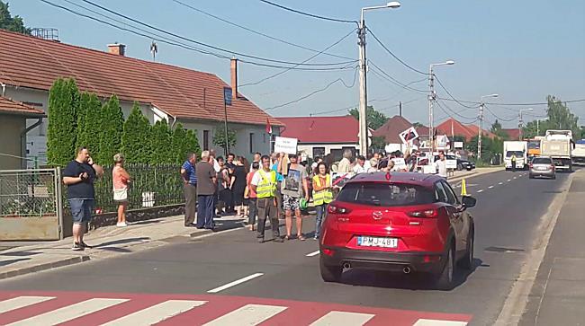 Demonstráció Sajószögeden I. - boon.hu